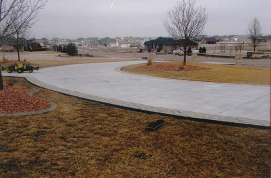What to expect when having your home 39 s concrete driveway for Temperature to pour concrete driveway